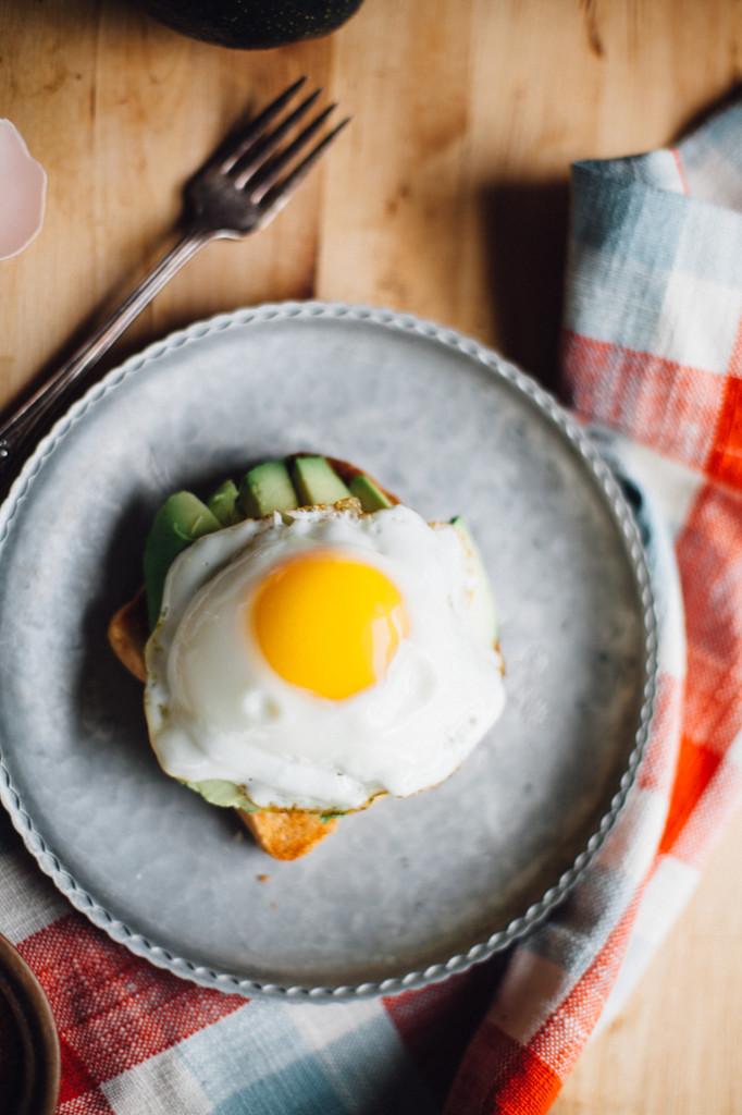kimchi-avocado-fried-egg-toast-gluten-free-5929